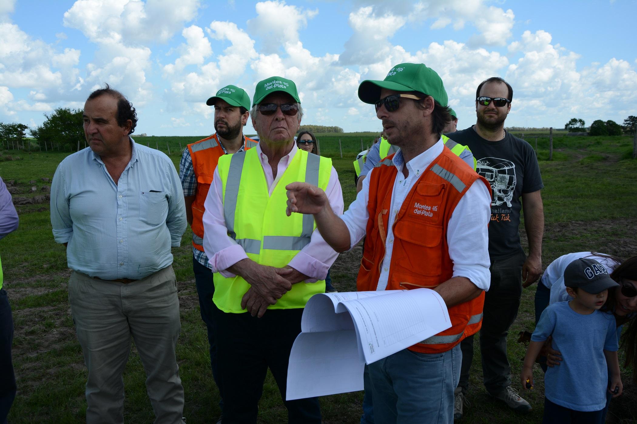 Intendente Moreira recorrió proceso de forestación de Montes del Plata