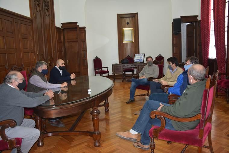 Intendente se reunió con Director del INJU