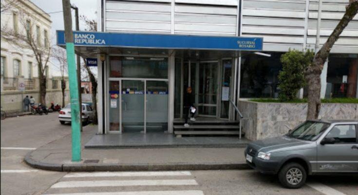 Banco República le confirmó al Diputado Nicolás Viera la implementación de rampas de accesibilidad en sucursales