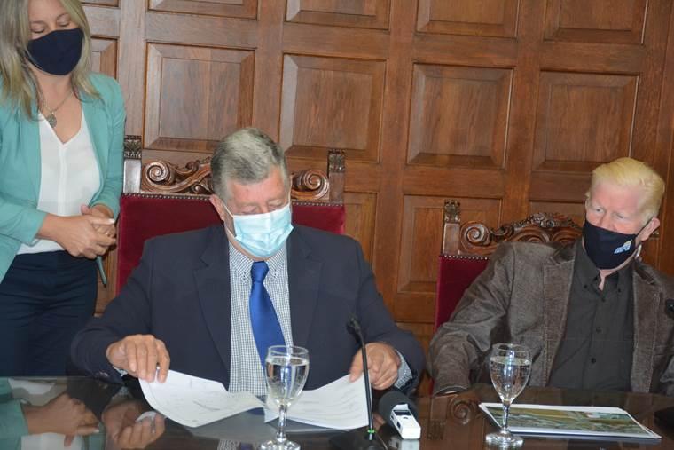 Se firmaron convenios entre Intendencia y AFE